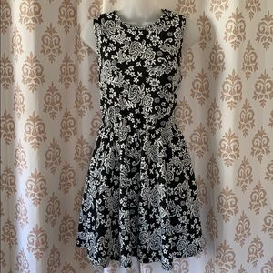 French Atmosphere black & white floral dress S